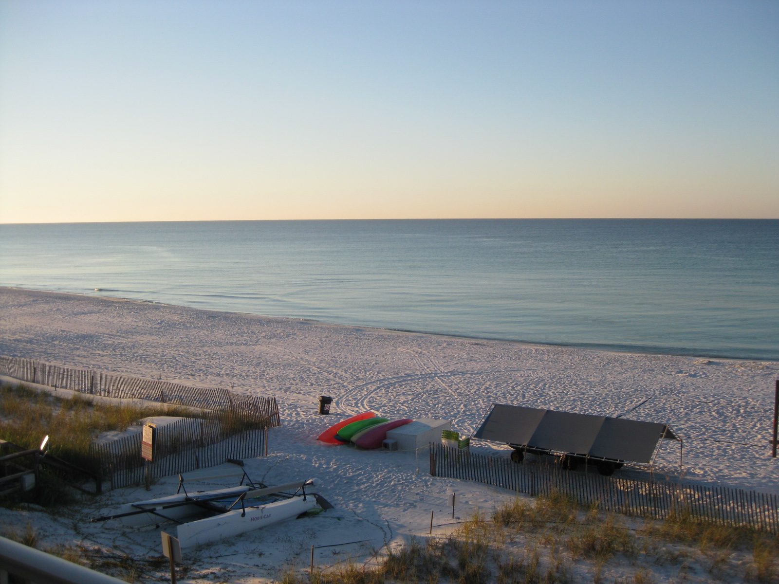 Sea Oats Motel offers great vacation rates.