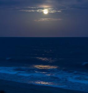 Sea Oats Motel offers moonlit beach strolls.