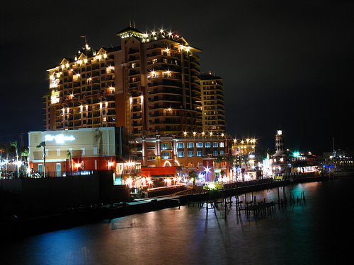 Stay at Sea Oats Motel to enjoy Destin night life.